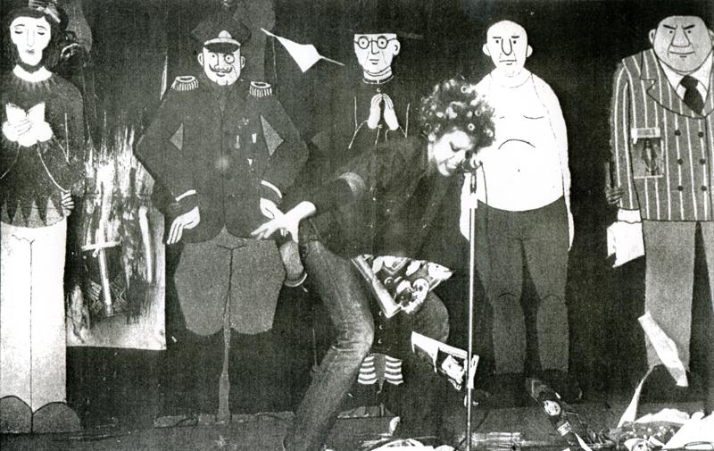 L'identità - Padova, Teatro Tenda di Prato della Valle, 6 marzo 1976.